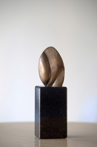 Brons H.9 cm